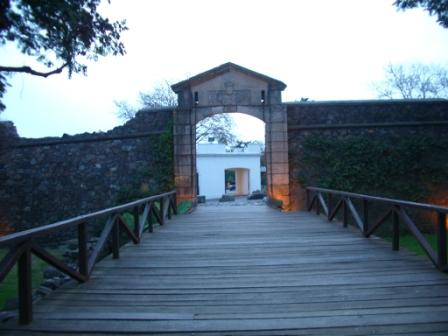 Porte d\'entrée de l\'ancien fort