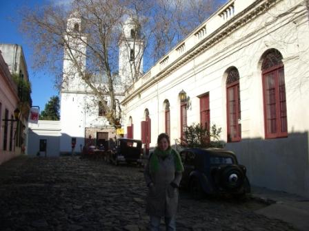 Rue face à l\'église de la ville