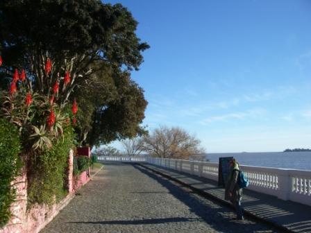 La rue face à la mer