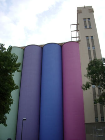 Le musée d\'art moderne de Rosario,  je trouve l\'idée de l\'ancien silo géniale