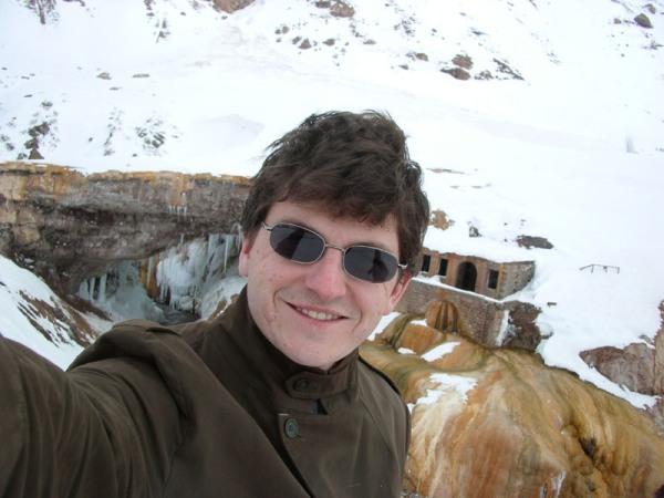 Moi face au Puente del Inca