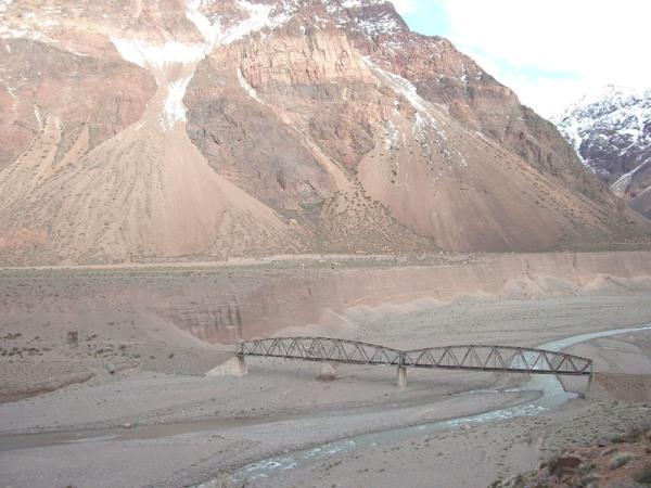 Pont dans une vallée