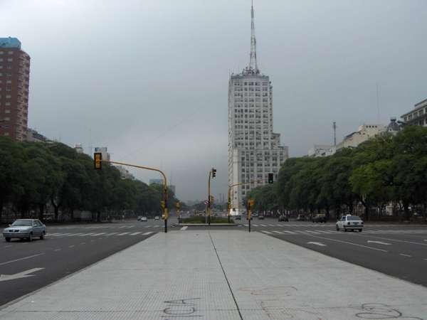 L\'avenue la plus large du monde