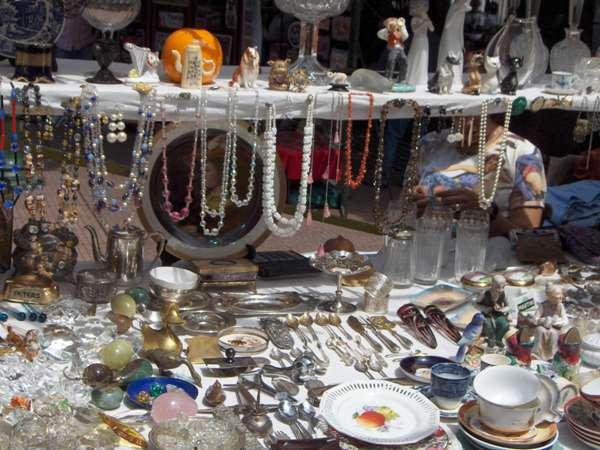 Bric à Brac sur le marché de la place Dorrego - San Telmo - Buenos Aires